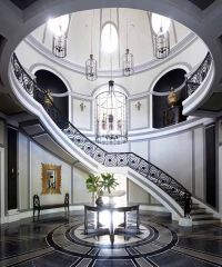 Jean Louis Deniot - such dramatic staircase and entryway ...