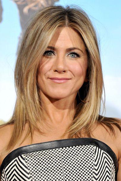 Schulterlanges Haar Die Frisuren Der Stars Jennifer Aniston