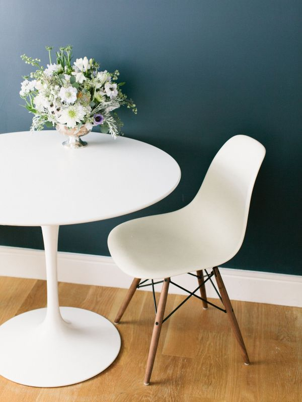 Eames Tulip Table with Chairs