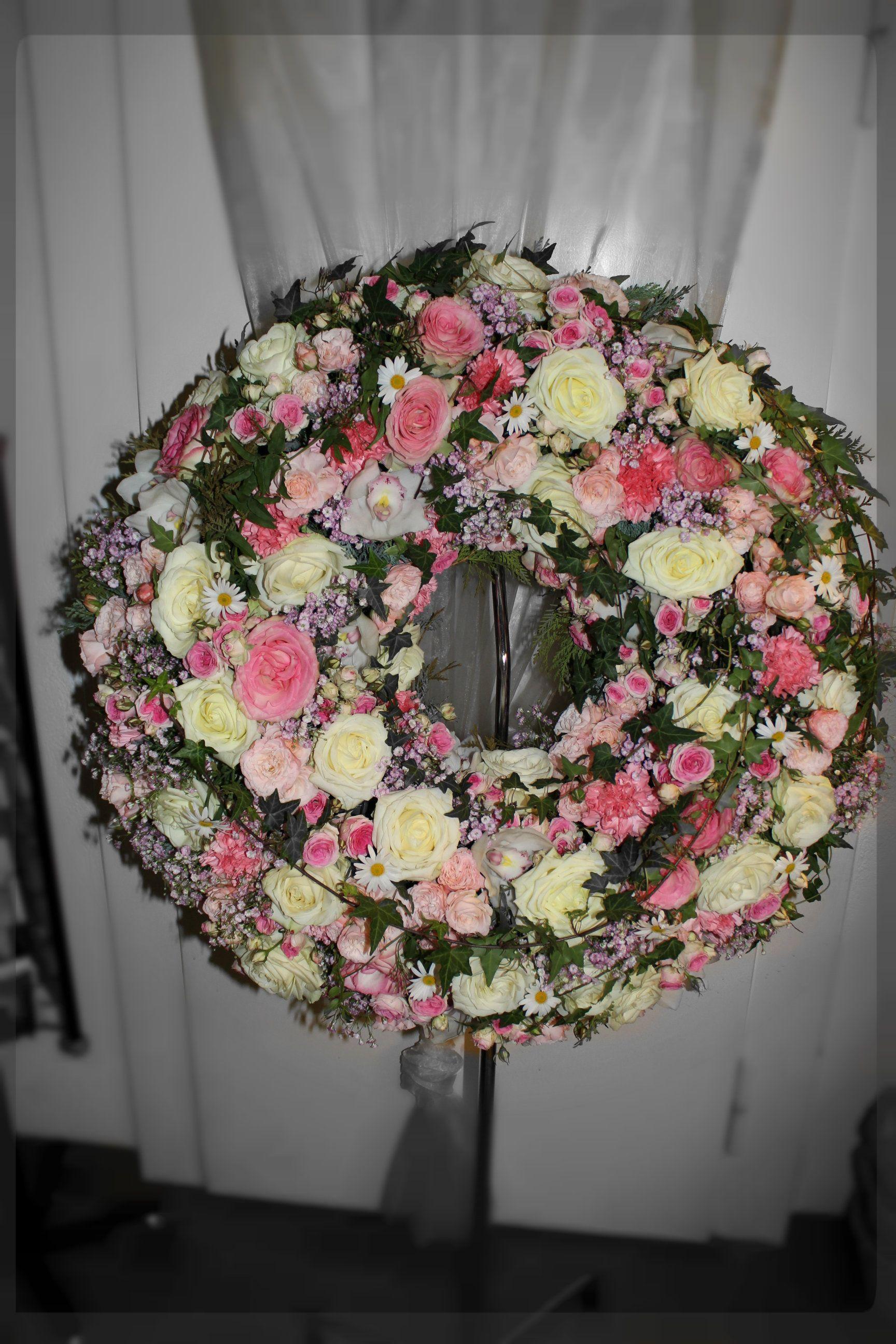 Blumenkranz Fuer Beerdigung