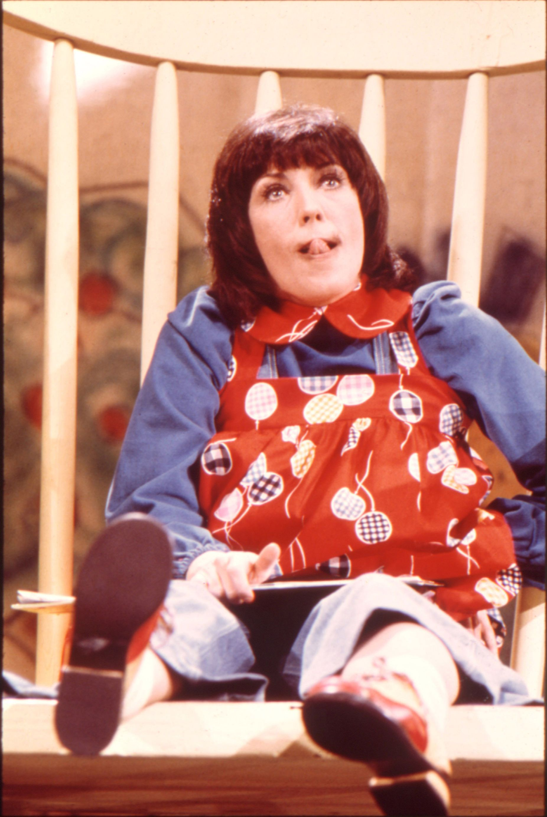little girl rocking chair ergonomic pictures lily tomlin as edith ann they played it so well