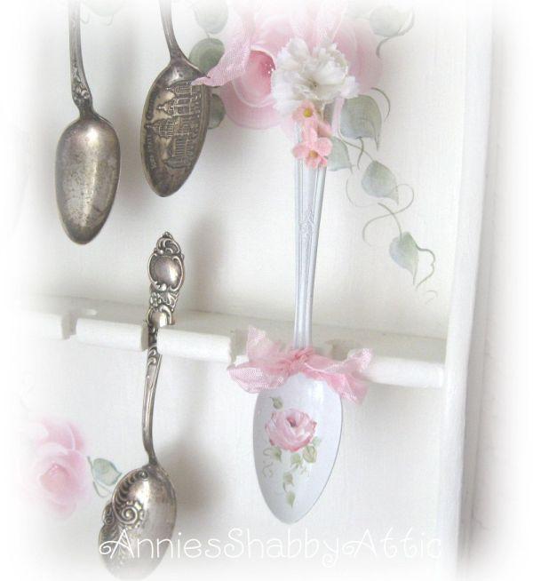 Detail -sweet Vintage Painted Spoon Ornament Sct