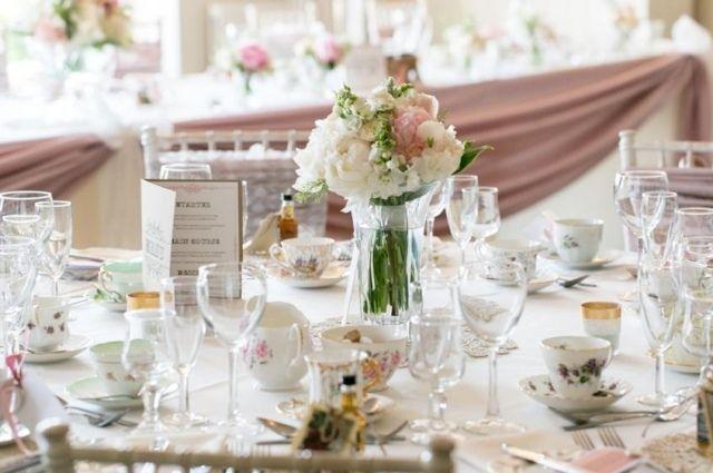 vintage hochzeit tischdeko wei rosa porzellan geschirr