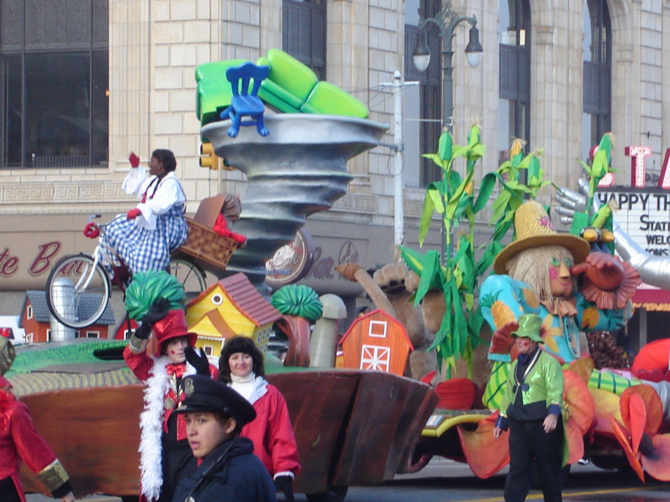 Wizard Oz Homecoming Parade
