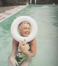 1956: Marilyn Monroe swimming photographed by Milton ...