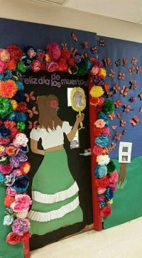Da de los Muertos door decoration by Maranda Stewart