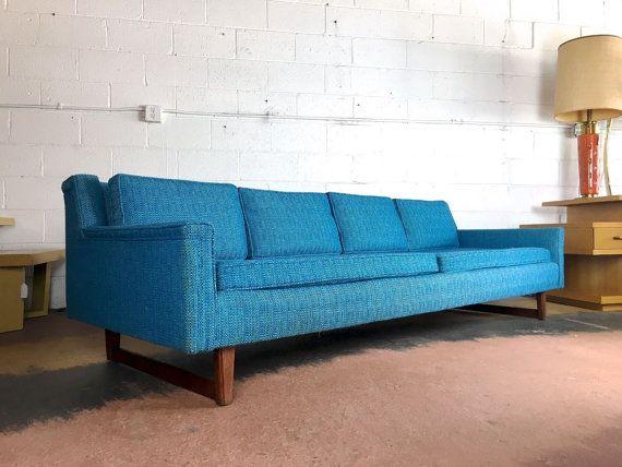 Mitte des Jahrhunderts moderne blau trkis Sofa von ModMartDetroit  Wohnzimmer  Pinterest
