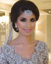 indian wedding dress face