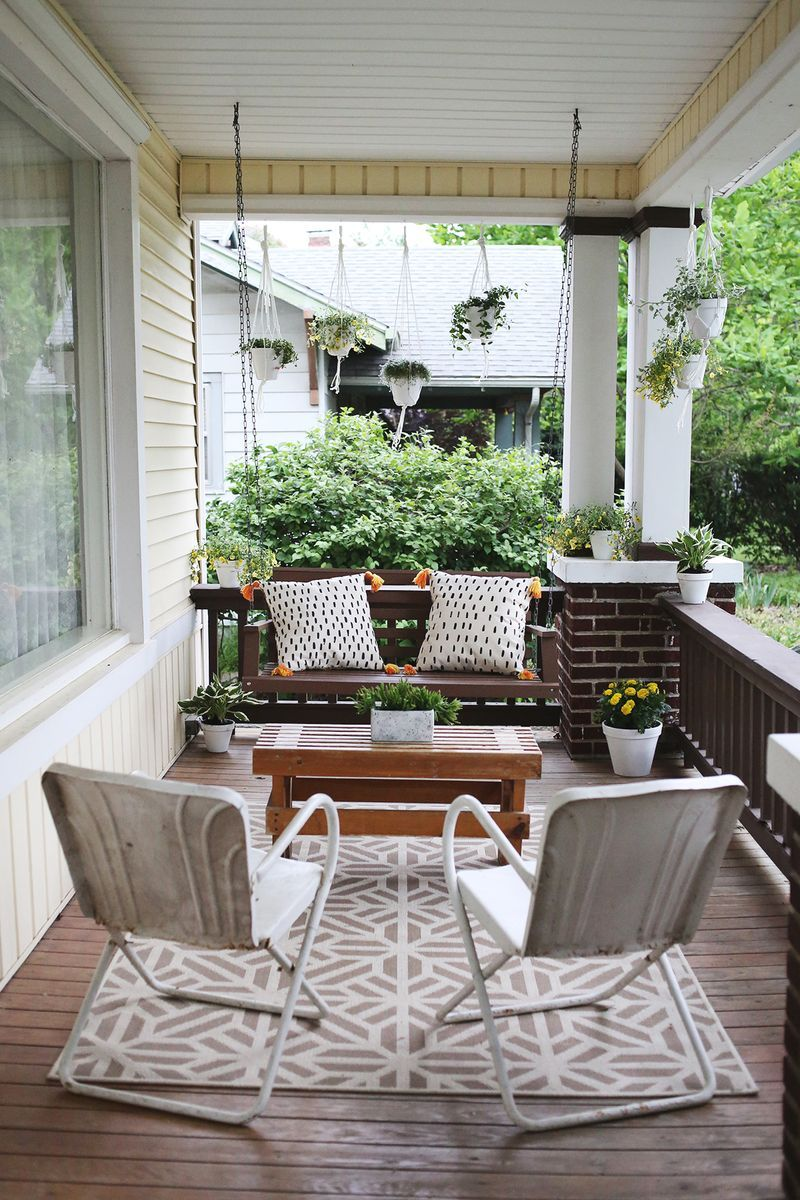 Would love to have a comfy front porch like this Source