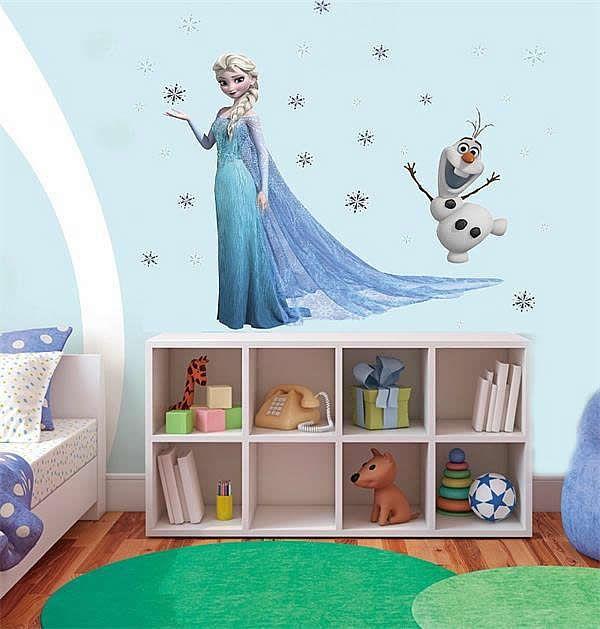 Frozen wallsticker med elsa og olaf also festartikler rh pinterest