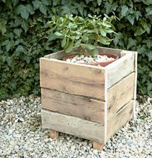 Wood-pallet-projects-pallet-wood-planter Wood