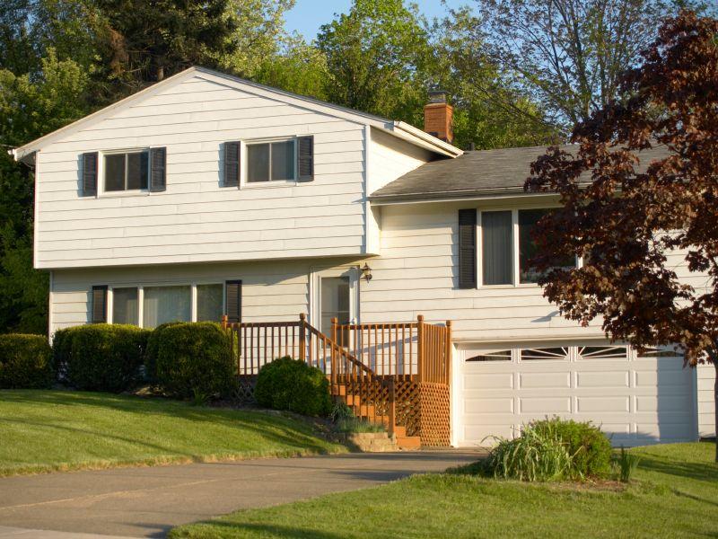 Curb Apeeal Bilevel Home Home Landscaping Landscaping Ideas For Split Level Homes