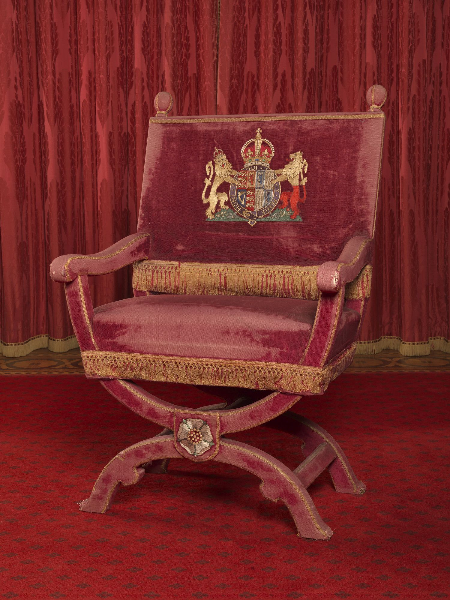 Queen Chairs Throne Chair Made For The Coronation Of King George Vi