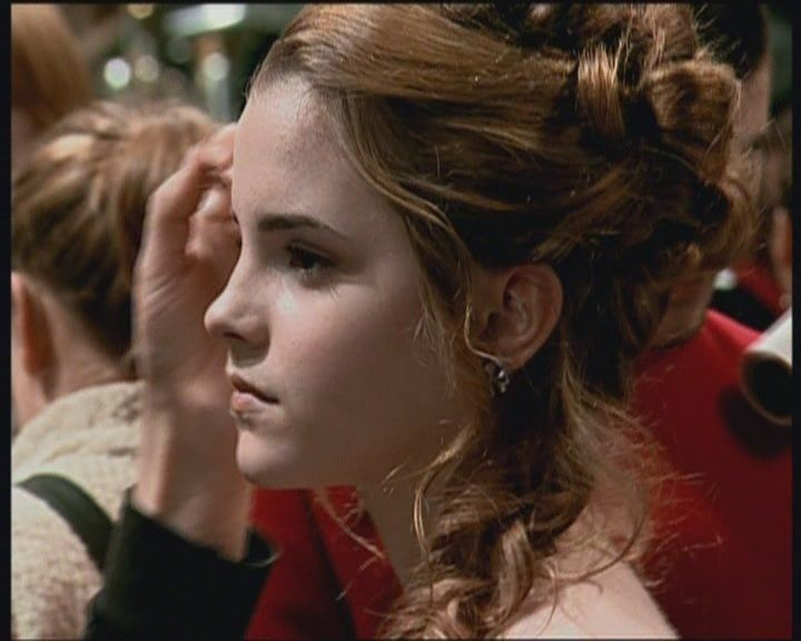 hermiones ball hair  Google Search  Woman crush