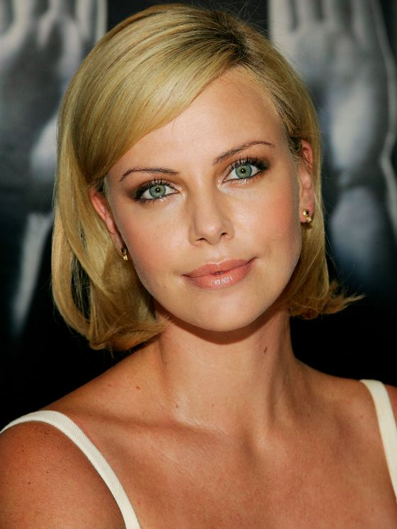 Pictures Charlize Theron Hair Styles And Colors Through The