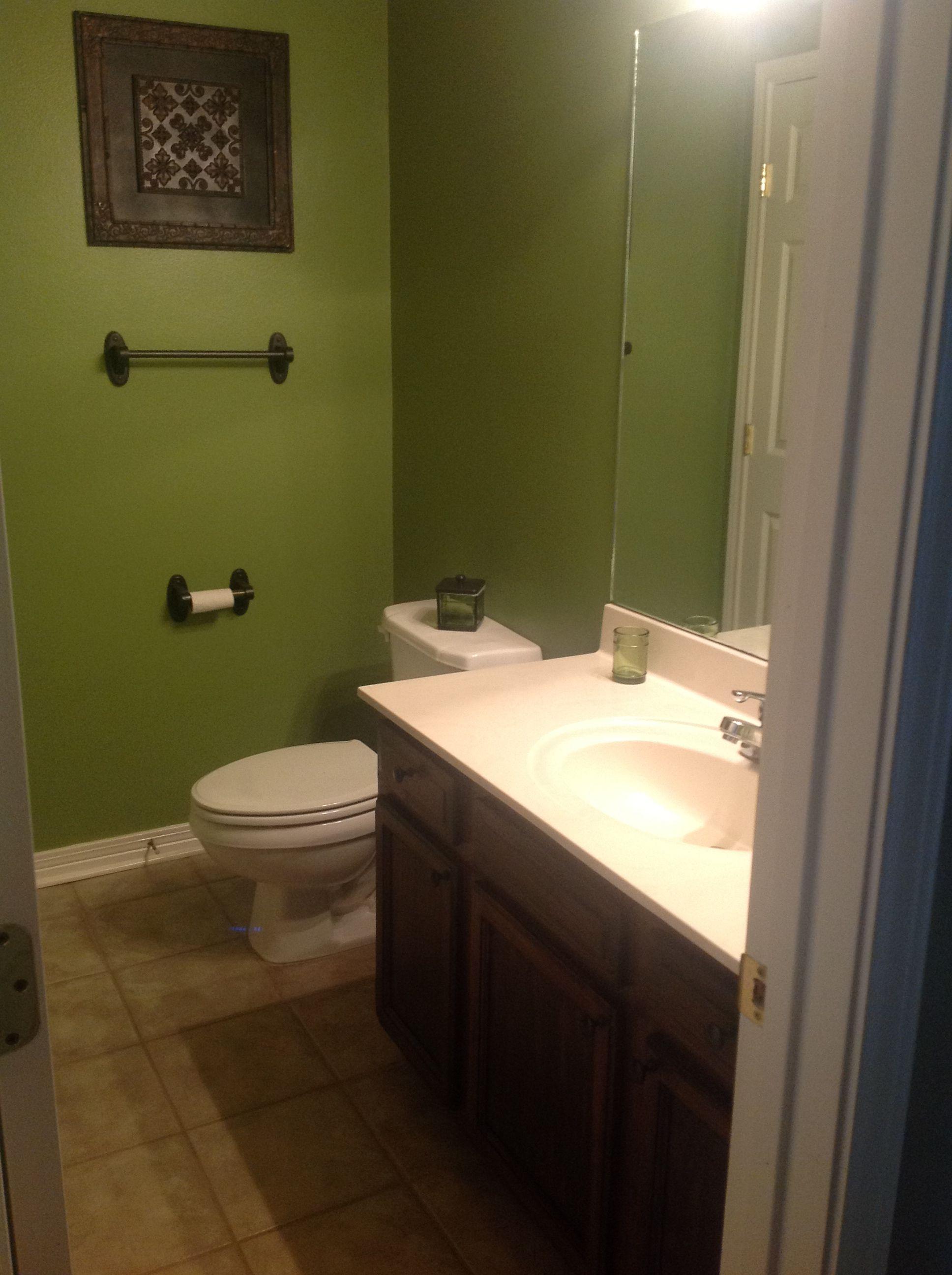 Green And Brown Bathroom Decor