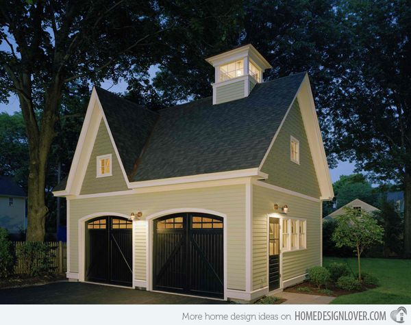 20 Traditional Architecture Inspired Detached Garages Doors