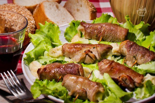Le bombette sono un secondo piatto tipico della cucina pugliese a base di involtini di carne
