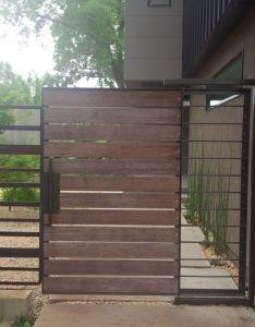 Cool wooden gates design ideas for exterior modern landscape with and lovely also puerta en madera  hierro moderna fachadas de pinterest rh