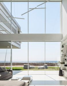 house by the sea pitsou kedem also   features cantilevers rh za pinterest