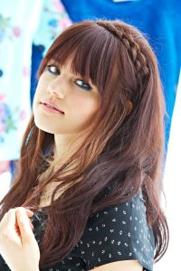 9 Cute AF Hairstyles Every Girl With Bangs Should Know ...