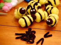 Pipe Cleaner, Puff Bees | Mama and Me | Pinterest | Pipes ...