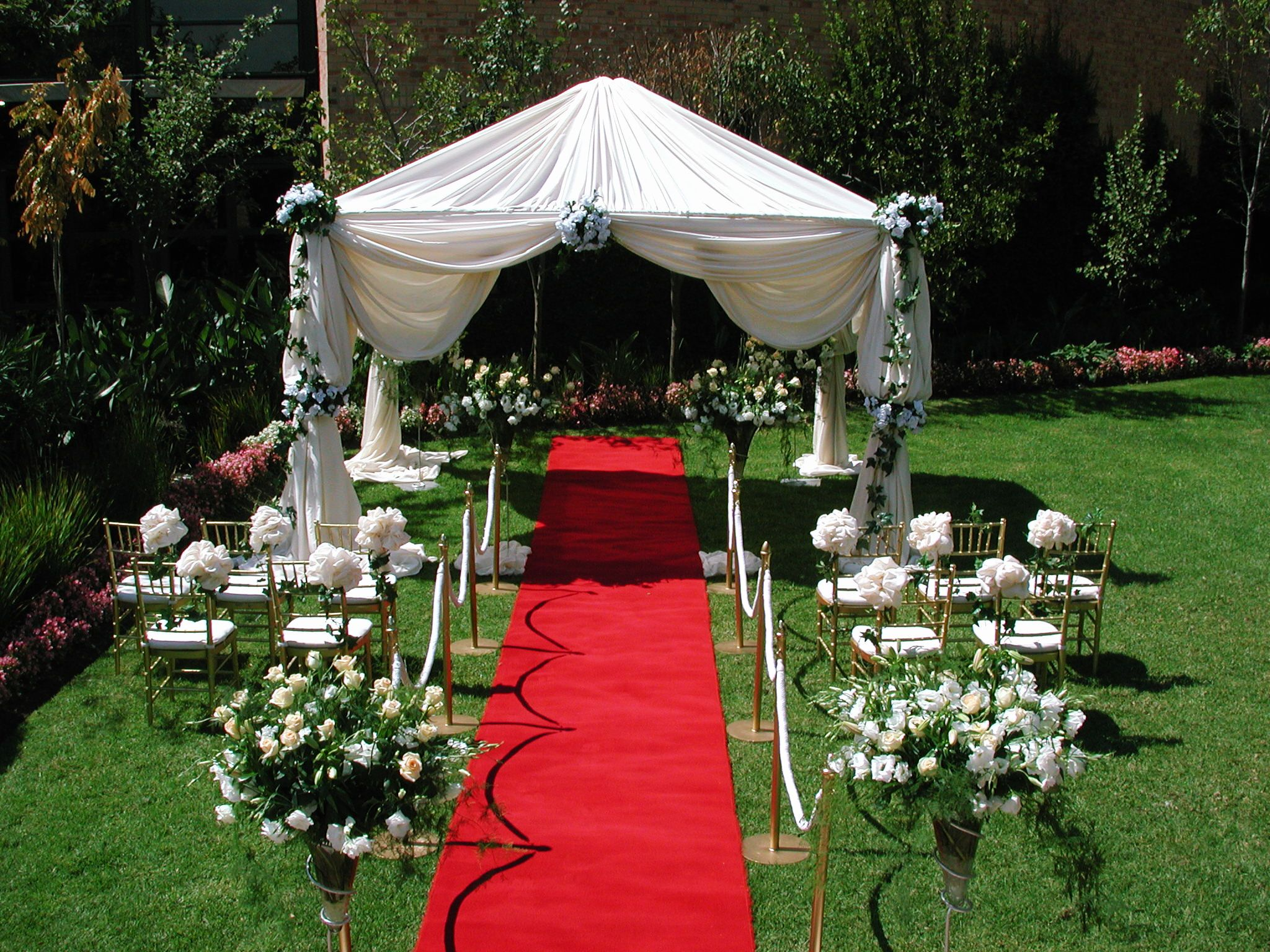 5 Tips To Decorate Your Outdoor Wedding Gardens Budget Wedding