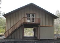 pole barns | Stall wood barn with apartment in 2nd story ...