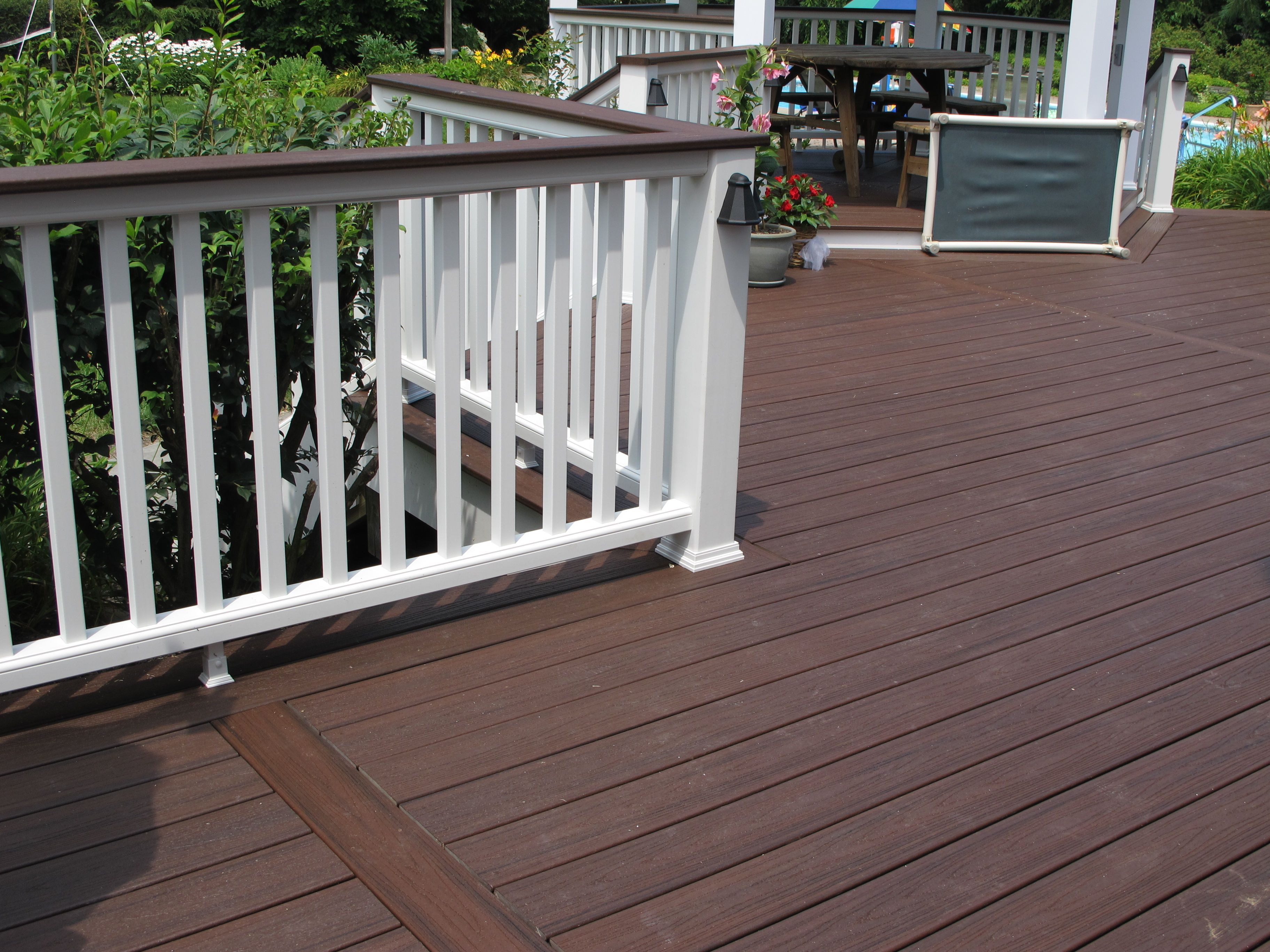 Bergendecks Project Lava Rock With White Railings Patio Pictures Exterior Colorsexterior Designcomposite Deckingcovered