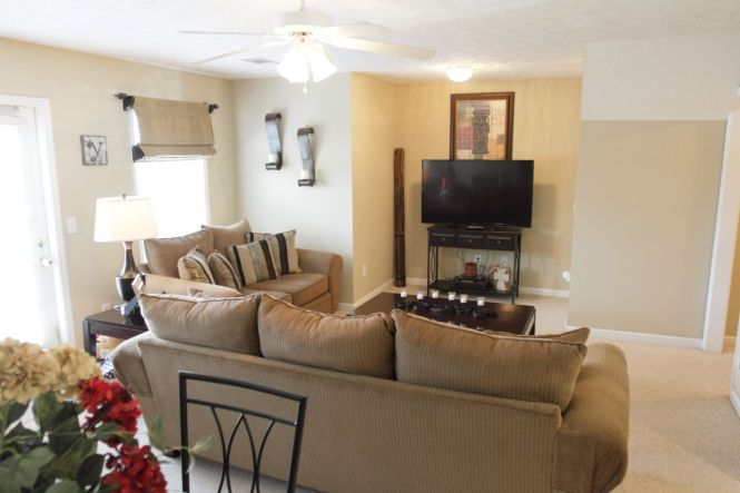 Looking For An Auburn Condo This 3 Bedroom Bath At Donahue Crossing
