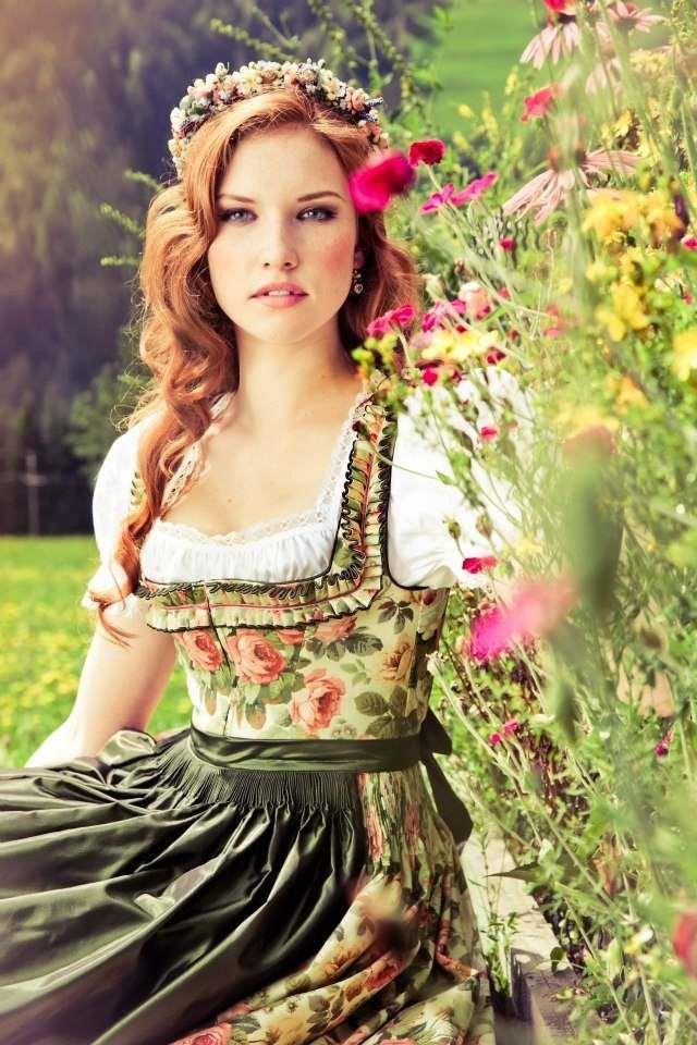 Dirndl Frisuren Oktoberfest Tracht Modedesigner Lena Hoshek Mode