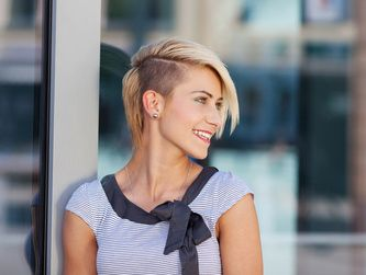Sidecut Blond Shaved Hair Pinterest Frisur Und Haar