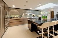 Taupe and wood colours - high gloss and contrast of the ...