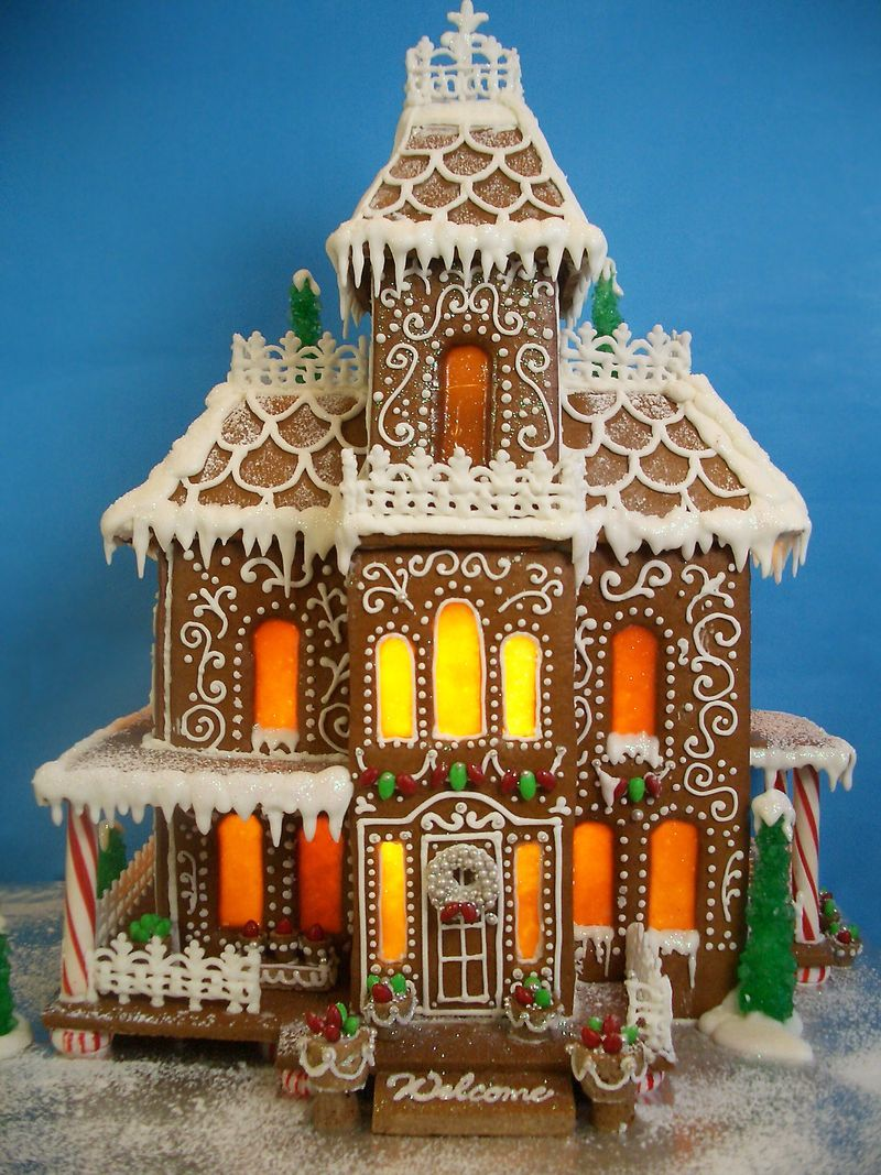 Around The World In A VW Gingerbread Camper Gingerbread House