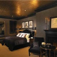 dark bedroom walls with gold trim - Google Search | Notre ...