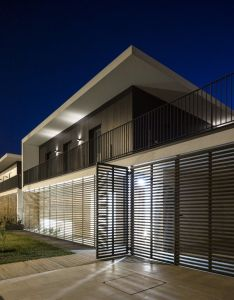 Gallery of houses in setubal ow arquitectos also house rh pinterest