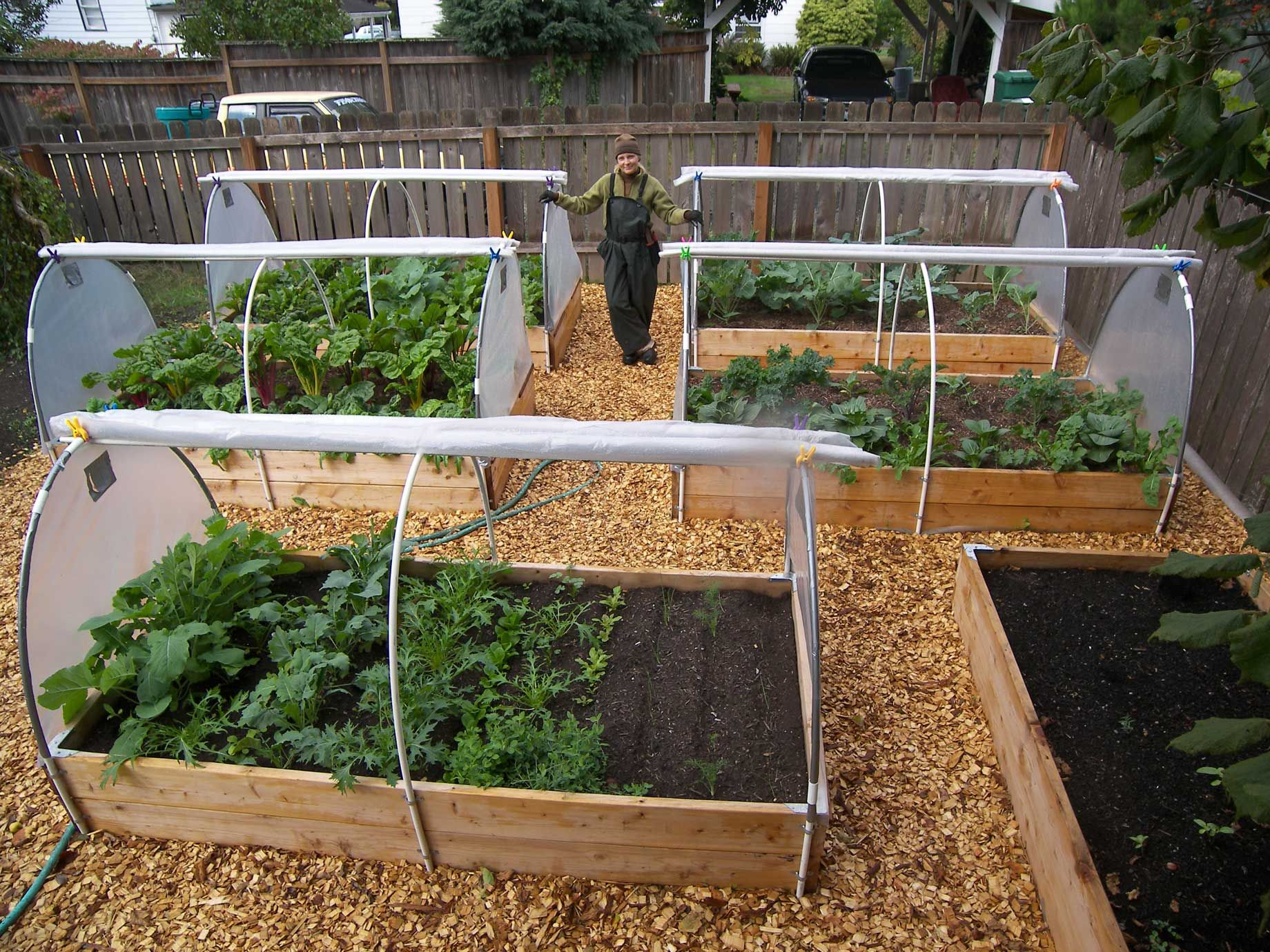 12 Raised Garden Bed Tutorials Gardens Raised Beds And Vegetables
