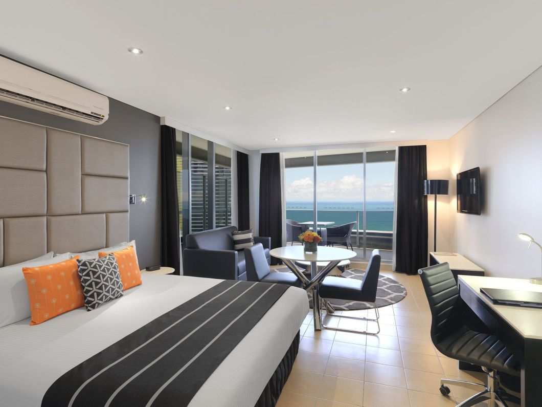 2 bedroom apartment broadbeach gold coast - 2 bedroom apartments in gold coast ...