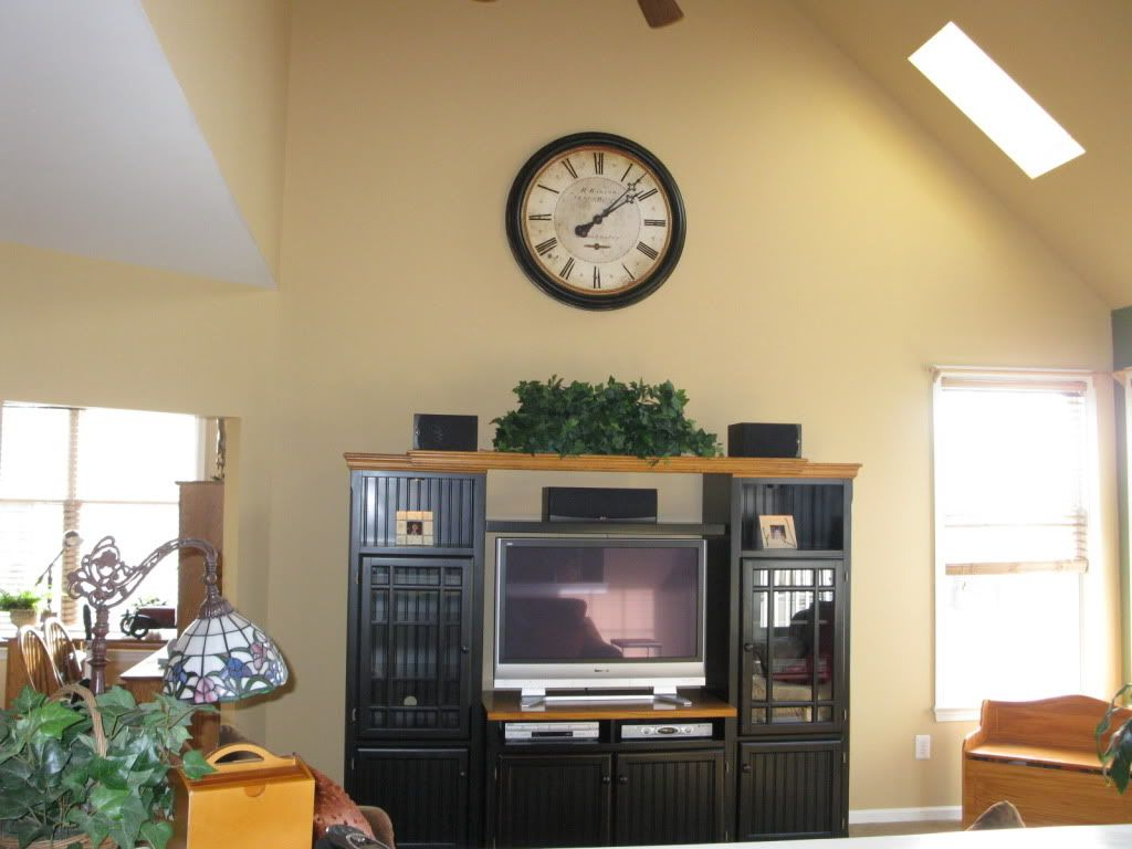 decorating ideas for tops of entertainment centers with
