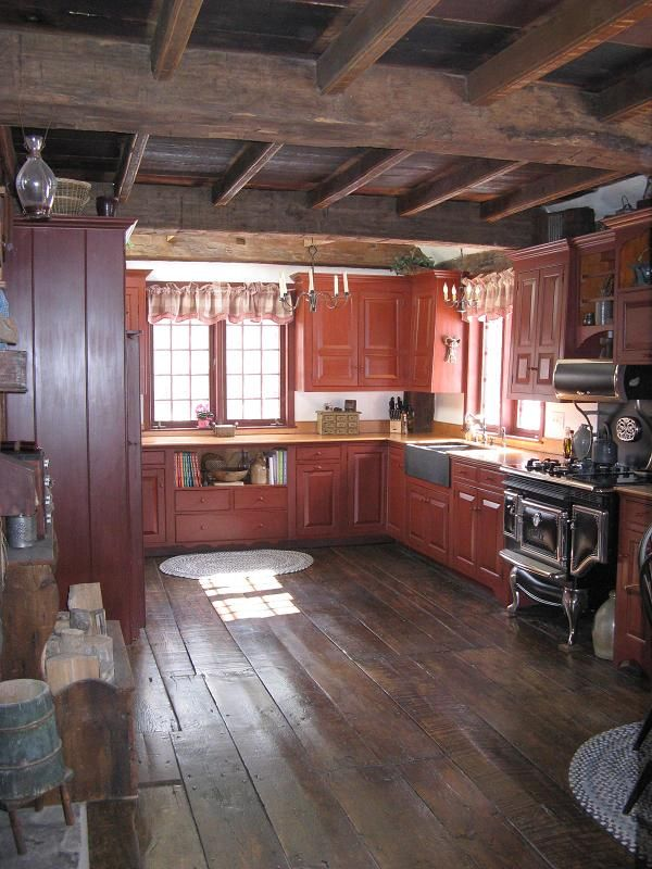 Love this open primitive kitchen! Old Houses
