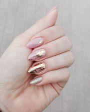 sabrinanarend nails