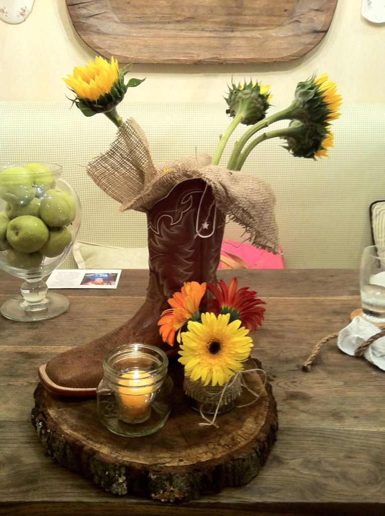 Western Chic Centerpiece Not sure if you could get boots