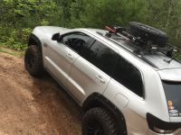 Jeep Grand Cherokee Wk2 kumho tires bushwackers Hilift