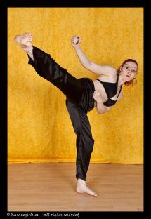 Women Barefoot Martial Art Kicks