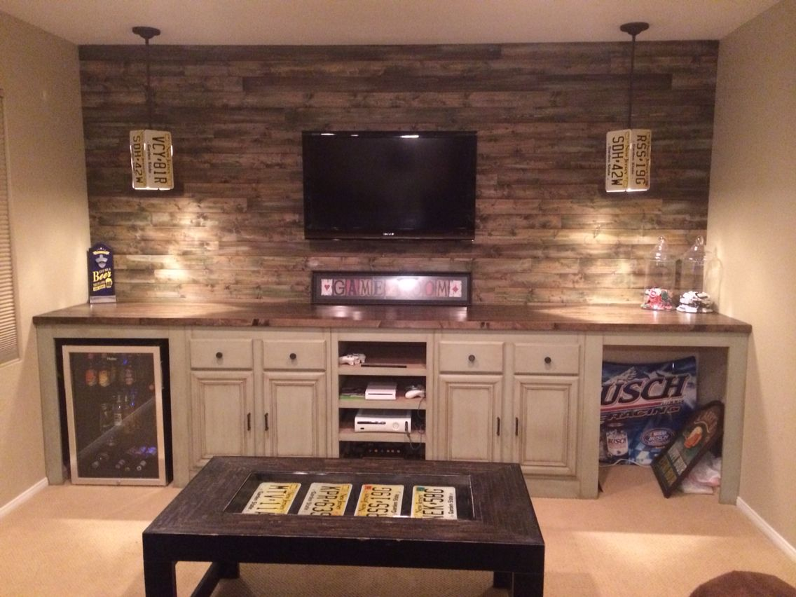 An Unfinished Basement Gets A Masculine Makeover | myownarticle.info
