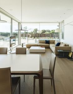 Costa calsamiglia arquitecte designs  contemporary home in empuries spain also thomsen house by interiors rh pinterest
