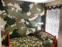 Camo accent wall | Boy's Bedroom | Pinterest | Camo ...