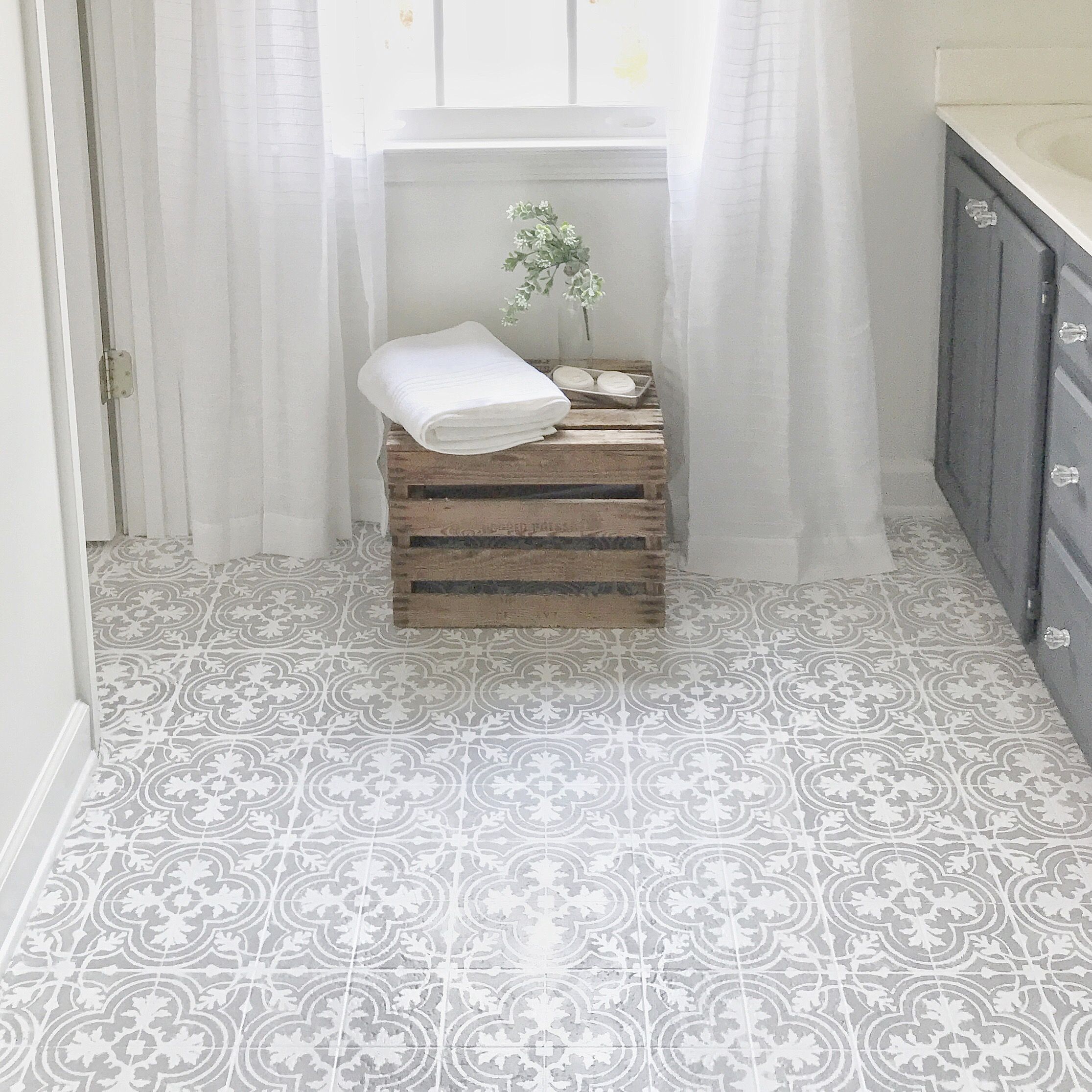 How to Paint Your Linoleum or Tile Floors to Look Like