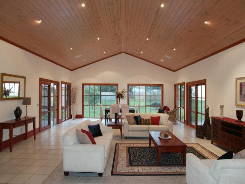 decorating room with vaulted ceiling   Cathedral