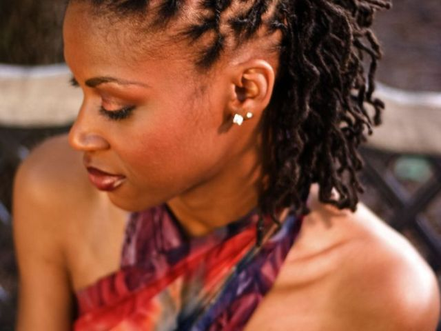 starting locs: interlocking or tool method | locs, woman and